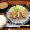 克芳 - 料理写真:本日のおすすめ定食(サーモンとほうれん草のクリームコロッケ + チーズ in メンチカツ)