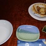 追分鮨 - 帆立バター焼きと、呑水(とんすい)&猪口(ちょく)2種