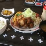 八重 - 料理写真:唐揚げ定食