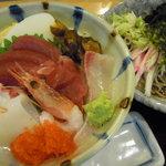 たまの里 - 海鮮丼