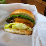 ザッツバーガーカフェ - アボカドチーズバーガー(レギュラーサイズ) 780円