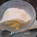 汁るべ家 - デザートのバニラアイス