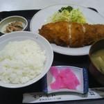 エチゴヤ - ポテトサラダ入りとんかつ(税込720円)