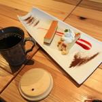 nine CAFE - 本日のデザート盛り合わせ