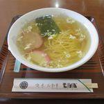 お食事処 モルパ - 料理写真:塩ラーメン(740円)