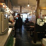 大衆食堂 むらやま屋 - 土曜日の午後1時過ぎの店内。
