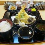8144385 - 天ぷら定食(1260円)