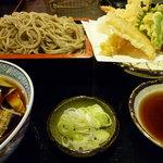 東京庵別館 - 料理写真:天もりと天ぷら盛合せ