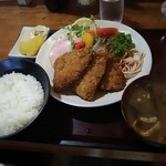 取付屋 - 料理写真:魚フライ定食 780円