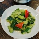 81458844 - パリパリの胡瓜の冷菜!
