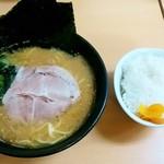 一二三家 - 一二三家@鴨井 ラーメン・ライス(650円+100円)