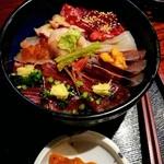 81460552 - 海鮮丼  生姜とワサビを散らして