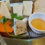 大宮ワイン倶楽部 - チーズ