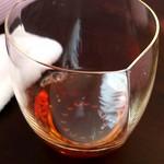 81464338 - グラス紹興酒ストレートで