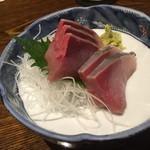 飯綱 - ブリ刺身750円(税別)