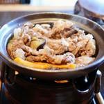 西村屋 和楽 - 料理写真:薄切り黒毛和牛の陶板焼き