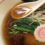 麺処 ほんだ - 醤油らーめん(700円)スープ