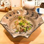 万ん卯 - 白身魚と野菜のまぜまぜ。華僑の魚生みたいな感じ。