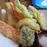 松屋 - 揚げたての天ぷらは野菜を中心とした品目です、これがコストパフォーマンスの良さを引き出してるのかな