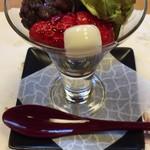 和食・中華 桂翠 - デザート 抹茶白玉ぜんざいパフェ