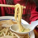 81474717 - 【ラーメン(500円)】麺のかたさは「カタ」で