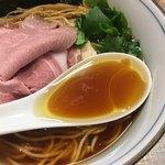 中華そば 四つ葉 - 華麗な鶏スープ