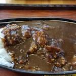 欧風ライスカレーKen's - 牛とろ肉カレー。コク旨で美味しいですよ。