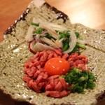 肉の寿司×焼鳥 okitaya - 低温調理牛ユッケ(880円)