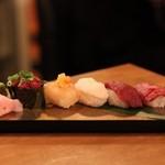 肉の寿司×焼鳥 okitaya - 肉の寿司盛り合わせ(980円)