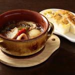 イタリアン ポーコ アマラ - 料理写真:アヒージョ¥800〜