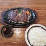 ステーキハウス ジャンプ - ステーキランチ 1,500円(サラダ・スープ・ソフトドリンク付)