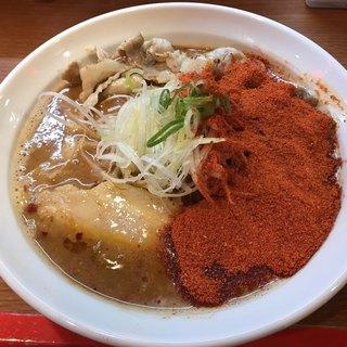 辛口炙り肉ソバ ひるドラ - 料理写真:辛口炙り肉そば味噌Level.8 1,050円(税込)