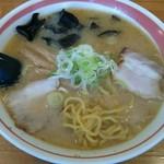 らーめん六文銭 - 料理写真:味噌 麺をひっぱりだし