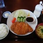 居食亭 がきや - とんかつ定食 1,100円