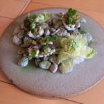 ナイン ストーリーズ - ホタルイカのマリネとペースト 蕗の薹のフリット 米粉のチュイル乗せ1