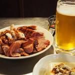 市川ホルモン - 料理写真:ホルモン、かしら、ハラミ、たん
