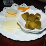 ハラダ - チーズ&ピクルス