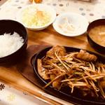 ドジャース食堂 - 豚カルビ定食