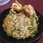 呉麺屋 - ラーメンセットの焼き飯(小)&唐揚げ2個