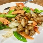 龍鳳園 - 鶏の黒胡椒炒め