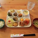 うさぎ乃 ママズ キッチン - 料理写真:プレートランチ 1000円