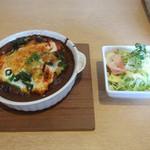 カフェ ユイット - 料理写真:「日替わり焼きカレーランチ(チキンとホウレン草)」750円