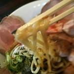 麺食堂 88 - ジャンクそばの麺のアップ