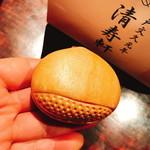 清寿軒 - 栗もなか(200円)