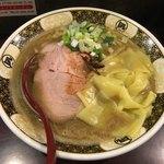 すごい煮干ラーメン凪 - すごい煮干しラーメン中盛り800円