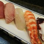 寿司奴 - お寿司のおまかせコース2200円   3-1