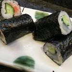 寿司奴 - 一皿380円のイカキュウと明太キュウ