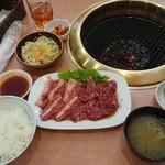 なんば亭 - カルビロース定食900円