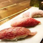 肉寿司 - 肉とろ盛り合わせ。