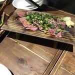 肉寿司 - レバー。